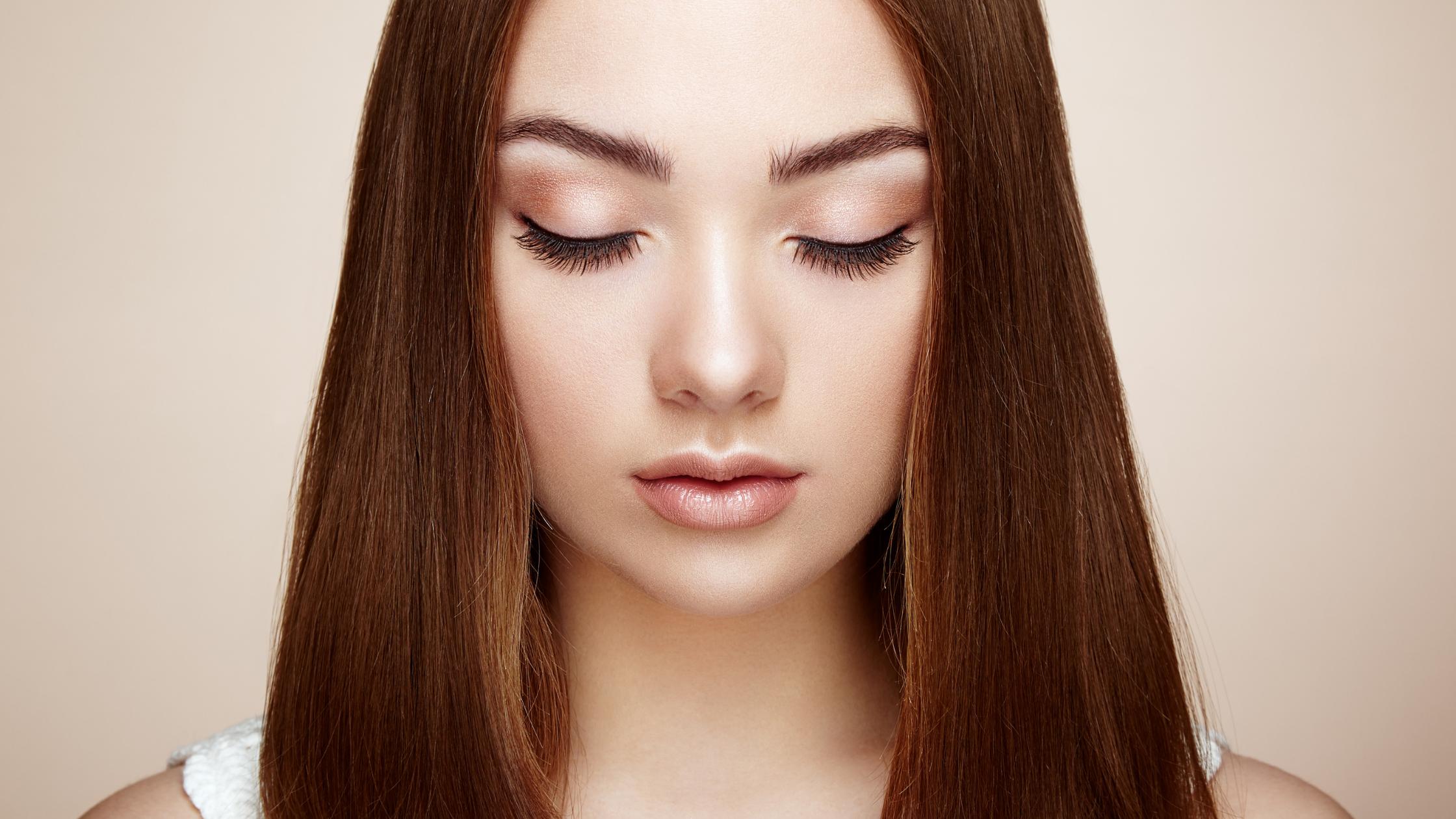 Prevent Eye Shadow Creasing on Oily Eyelids